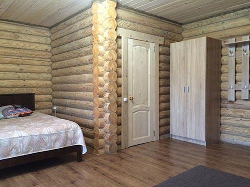 Правая спальня
