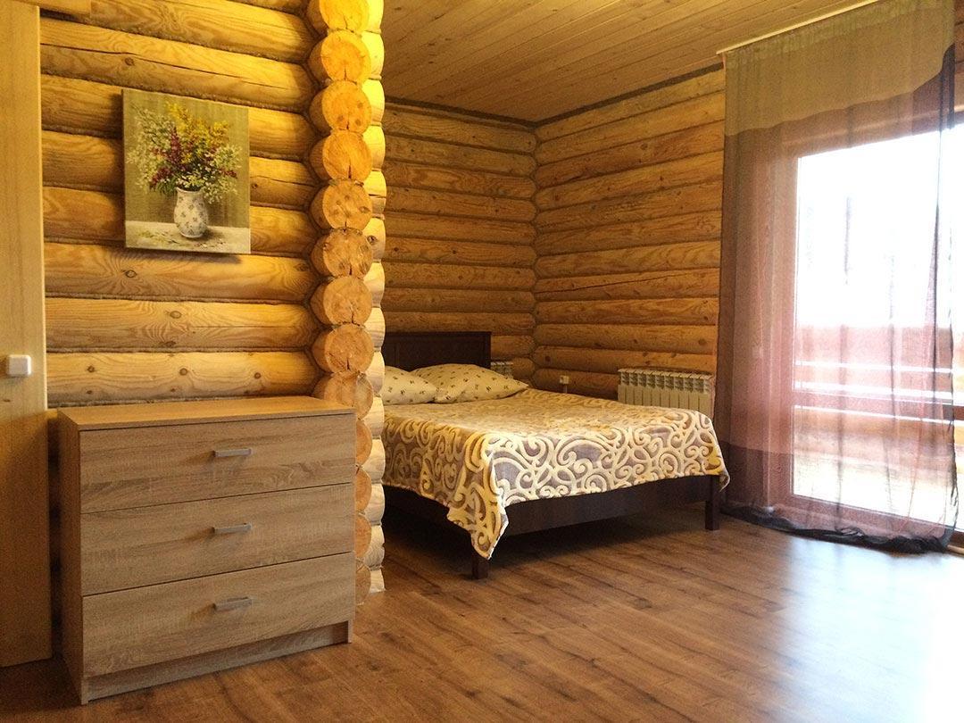 Большая левая спальня - кровать для сна