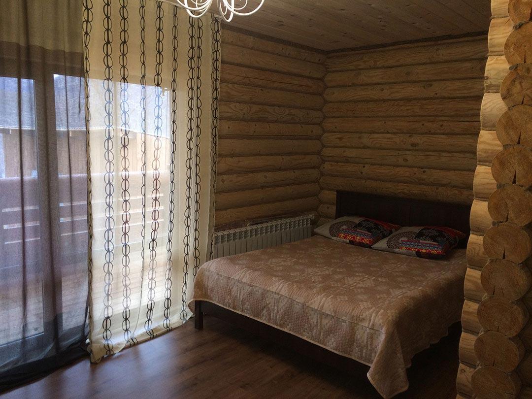 Большая правая спальня - кровать для сна