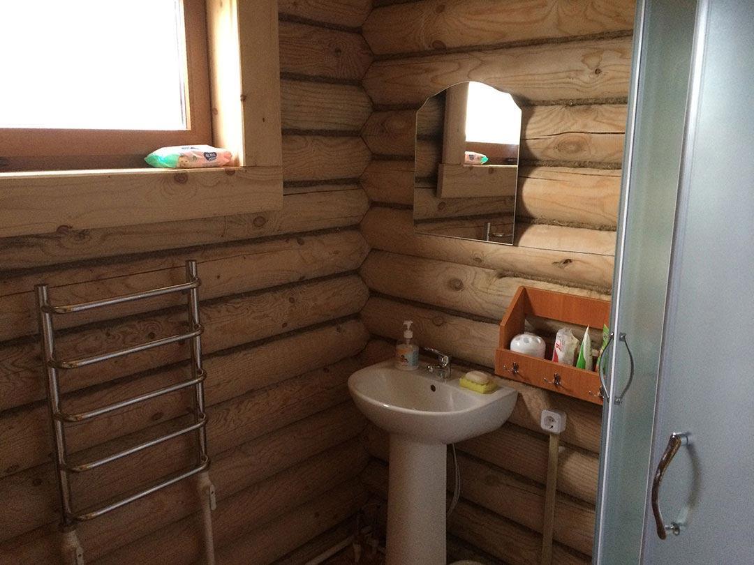 Правая спальня - ванная комната